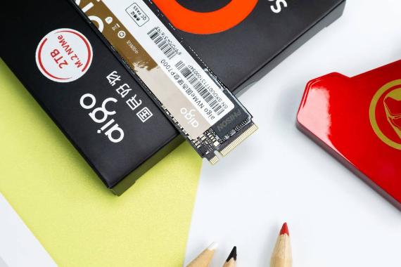 国产也有超7GB/s的旗舰级PCIe 4.0固盘:aigo P7000固态硬盘测试